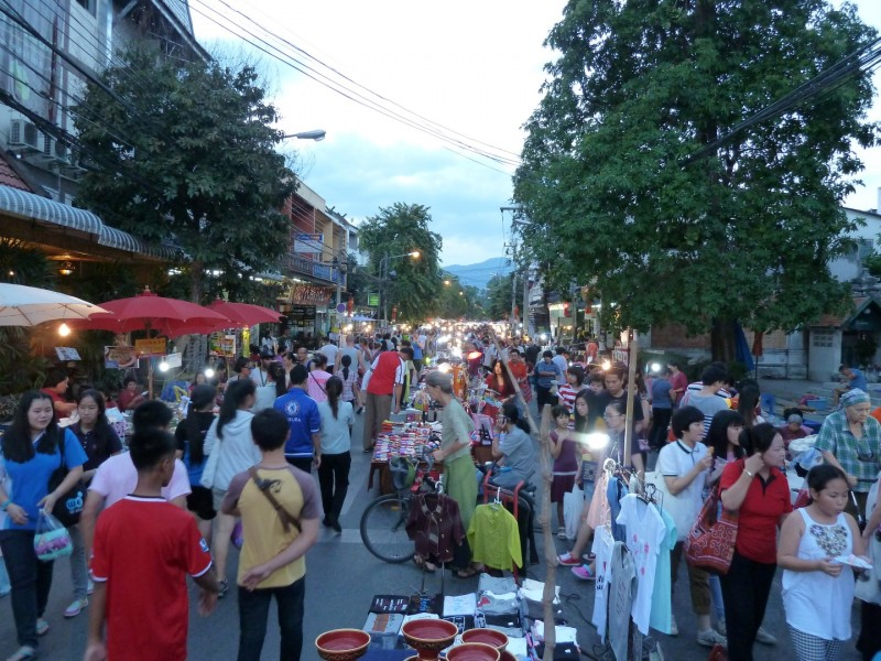 Sunday Walking Street @ Chiang Mai