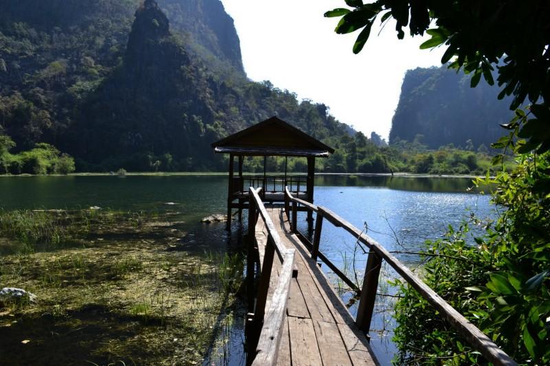 Eigentlich waren wir auf der Suche nach einer Cave, stiessen jedoch auf diesen einsamen und verlassenen See.