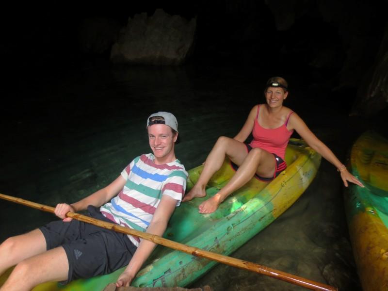 In einer Cave waren ein paar alte Kayaks, welche wir natürlich austesten mussten.