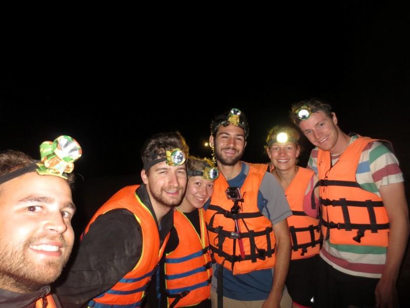 In der 7.5 km langen Kong Lor Cave auf Entdeckungstour