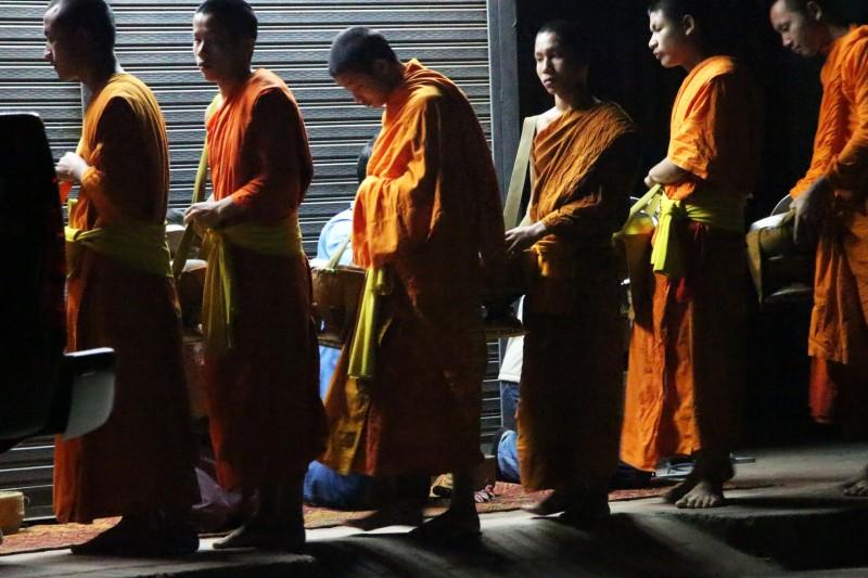 Tägliches Morgenritual der Mönche