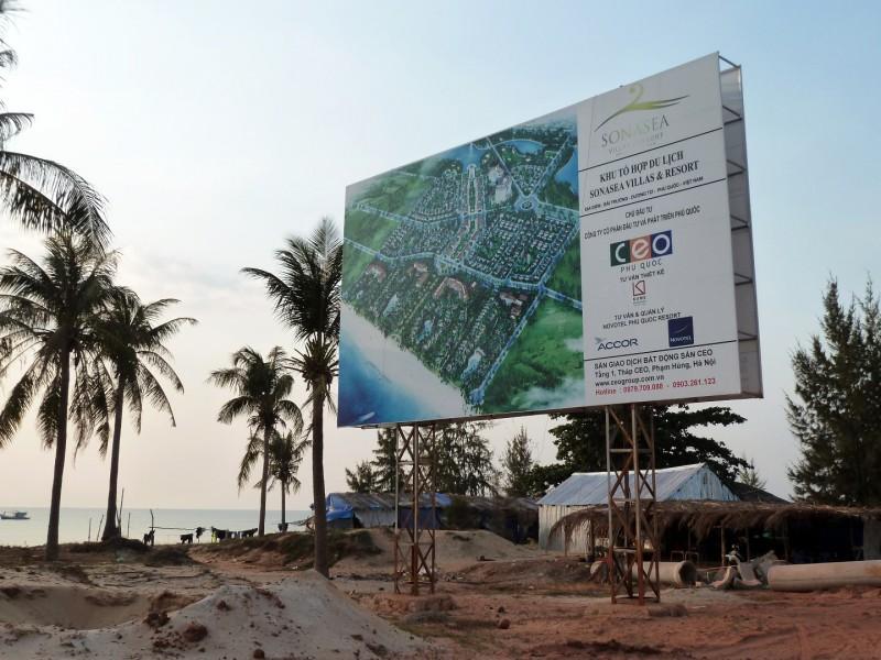Die ausländischen Investoren haben mit der Insel noch viel vor. Überall hängen Plakate mit grossen Bauplänen für Resorts.