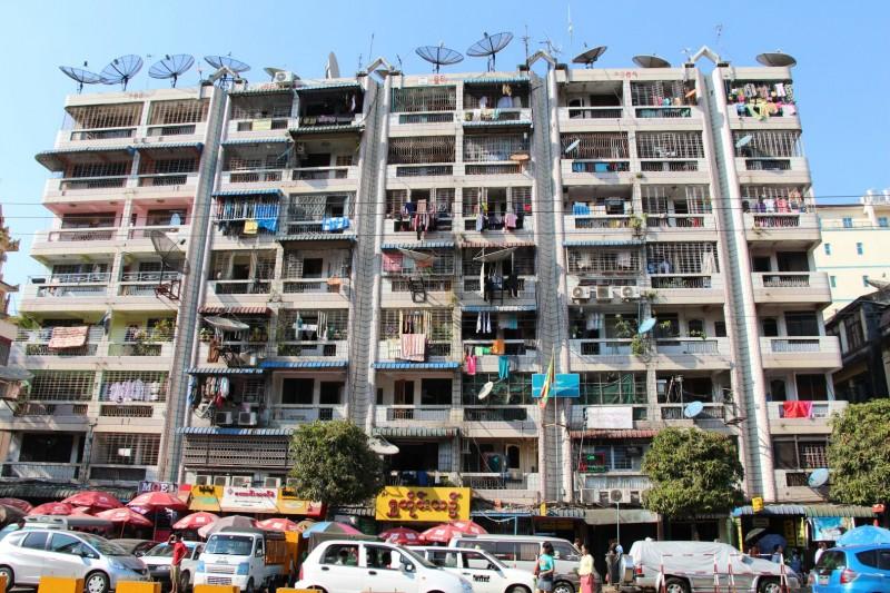 Typische Bauten in Yangon