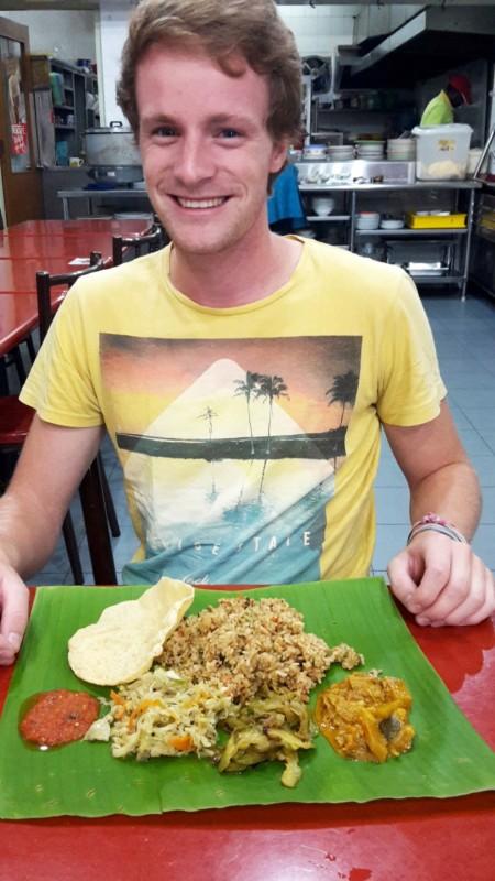 Im indischen Restaurant - gegessen wird von Hand.