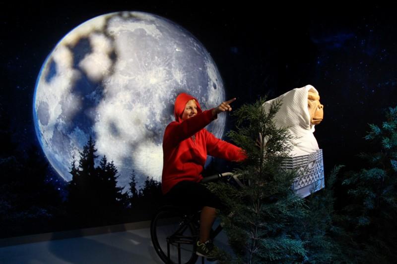 E.T. nach Hause. Wir bleiben aber noch.
