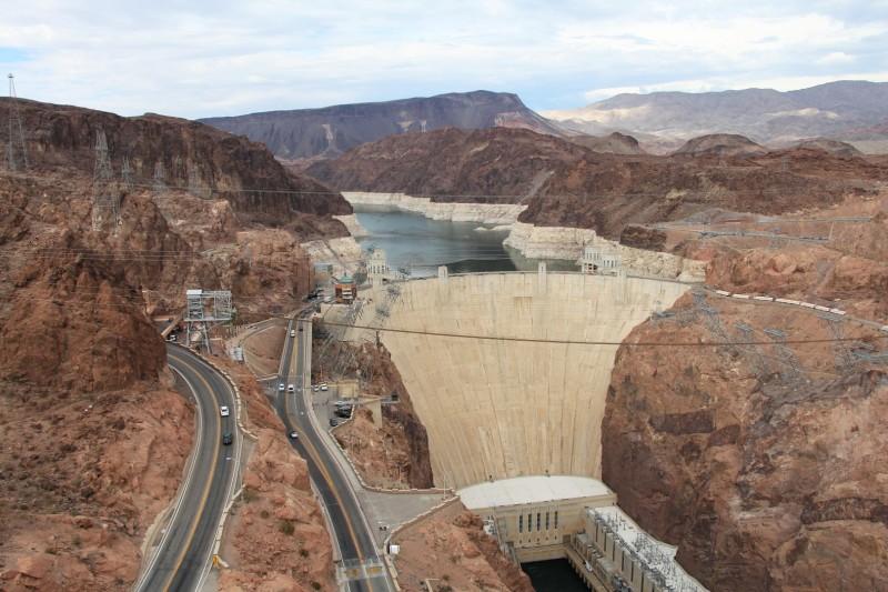 Hoover-Damm. Hier ist die Grenze von Arizona zu Nevada