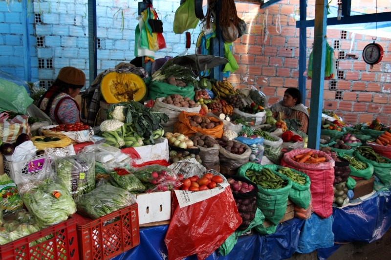 Dieser Markt erinnert uns stark an Asien, wir fuehlen uns wie zu Hause :-)
