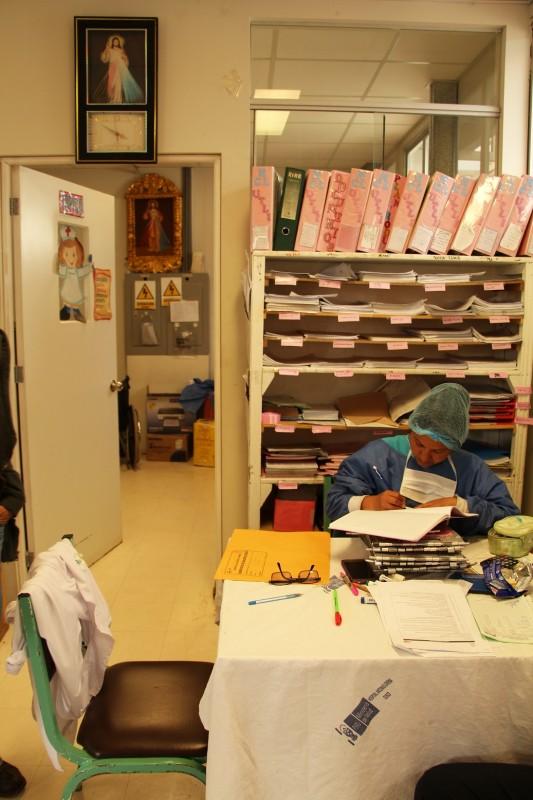 Das Stationszimmer im Cusco Spital
