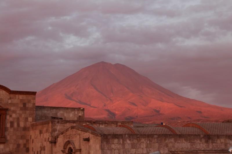 """Ein herrlicher Ausblick auf den Vulkan """"Misti""""."""